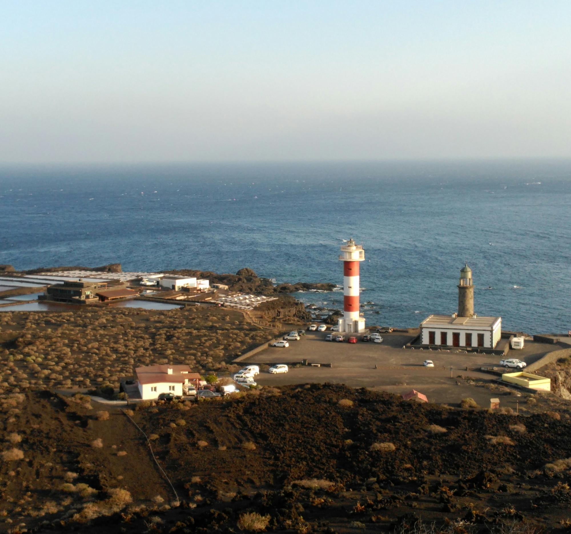 - Entorno de los faros y las salinas de Fuencaliente
