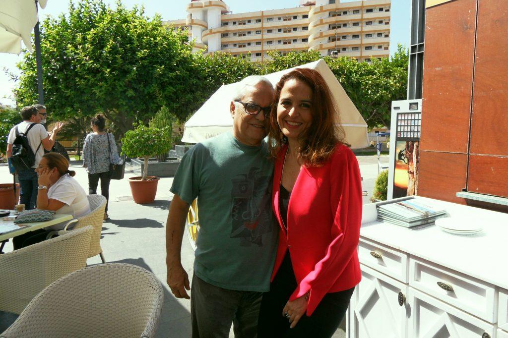 """Momento distendido junto al periodista y escritor, durante la celebración del """"Arona de las artes y las letras"""", Arona (Tenerife)"""