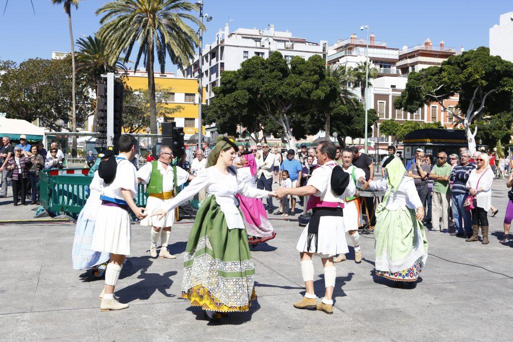 30 de Mayo, Día de Canarias - Actuación del Grupo Folclórico